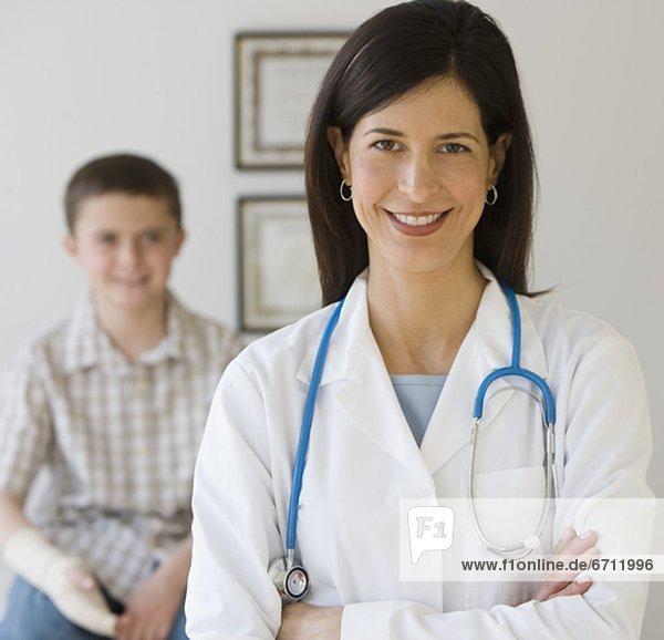 Junge - Person  Arzt  Hintergrund