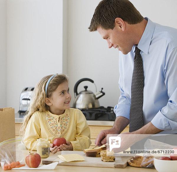 Menschlicher Vater  Produktion  Tochter  Frühstück