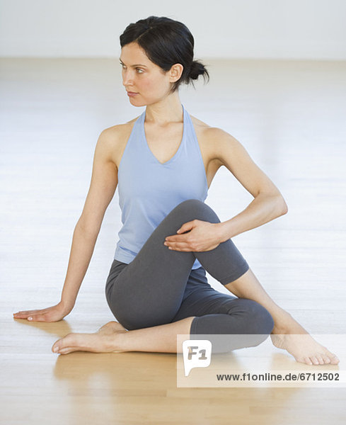 Frau üben Yoga