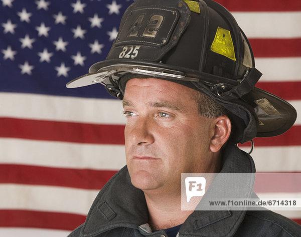 frontal  Fahne  amerikanisch  Feuerwehrmann