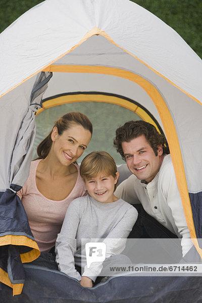 sitzend  Zelt