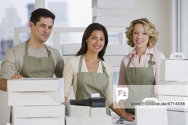 hinter  arbeiten  multikulturell  Bäckerei  Tresen