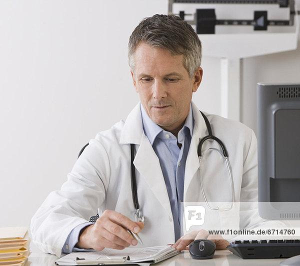 schreiben  Arzt  Diagramm