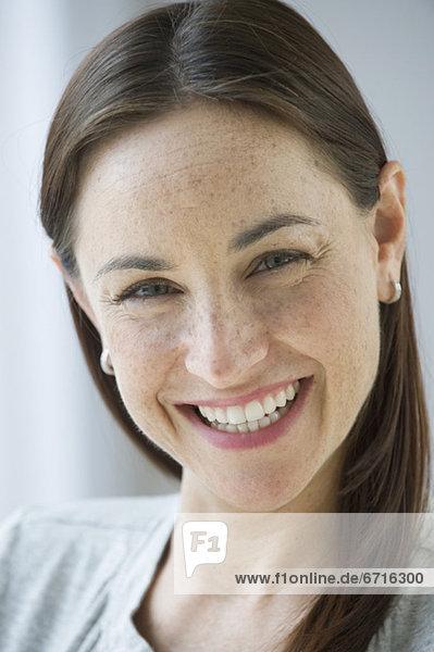 Portrait  Frau  lächeln  Hispanier