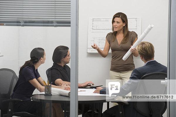 Geschäftsbesprechung Zimmer Architekt Besuch Treffen trifft Konferenz