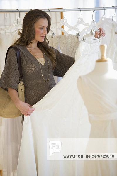 Frau  Kleid  Hochzeit  kaufen
