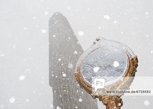 Städtisches Motiv  Städtische Motive  Straßenszene  Straßenszene  Tag  Tischset  Schnee