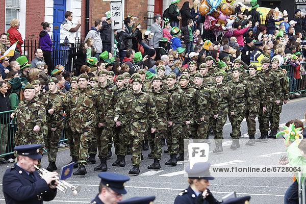 Tag  Heiligtum  März  marschieren  Militär  Parade