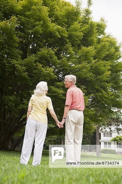 stehend Senior Senioren
