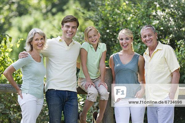 Portrait  Menschliche Eltern  Großeltern  10-11 Jahre  10 bis 11 Jahre  Mädchen