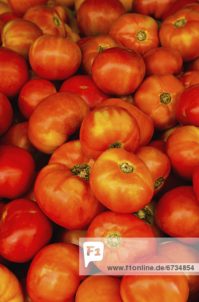 Tomate  schießen  Studioaufnahme