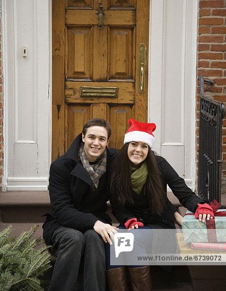 Geschenk Tür frontal Weihnachtsbaum Tannenbaum