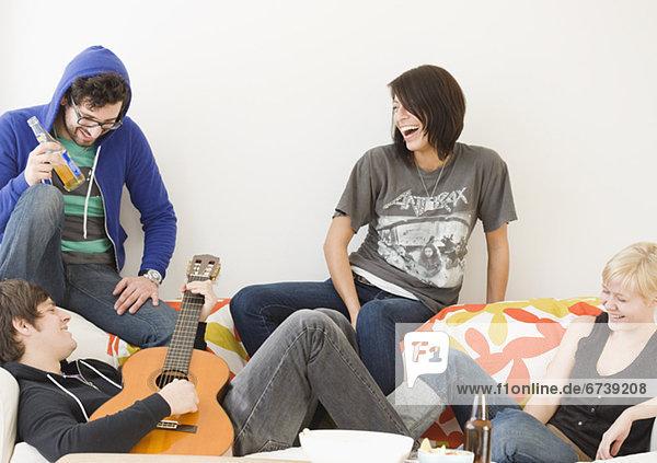 Freundschaft  Entspannung  Couch