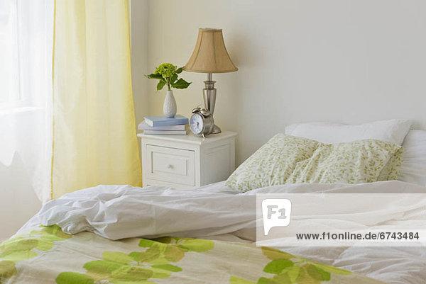 Unasphaltierte Bett