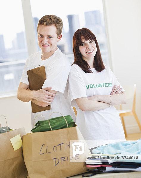 Portrait  Organisation  organisieren  fahren  Kleidung  Freiwilliger