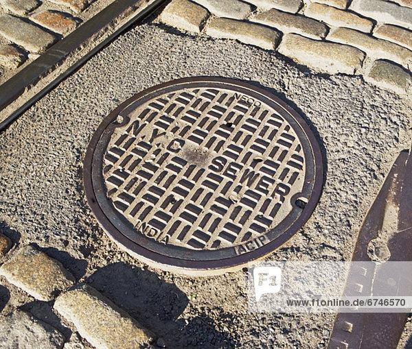 Städtisches Motiv  Städtische Motive  Straßenszene  Straßenszene  Kläranlage  Straße