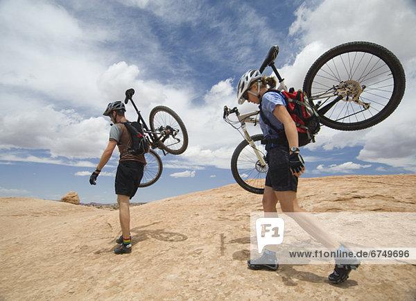 Berg tragen Wüste Fahrrad Rad