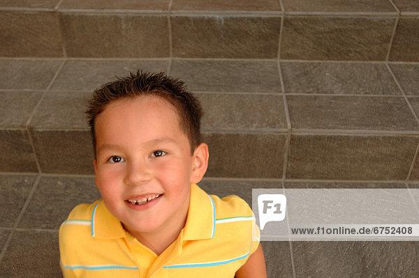 Stufe  Portrait  Junge - Person  jung