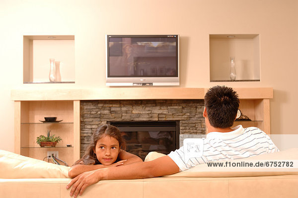 Menschlicher Vater  Zimmer  Tochter  Wohnzimmer
