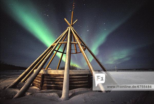 Himmel  Boden  Fußboden  Fußböden  Polarlicht  Fort Simpson  Northwest Territories