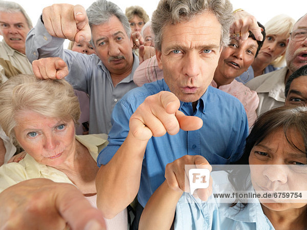Mensch  Menschen  zeigen  Menschengruppe  Menschengruppen  Gruppe  Gruppen  Beschuldigung