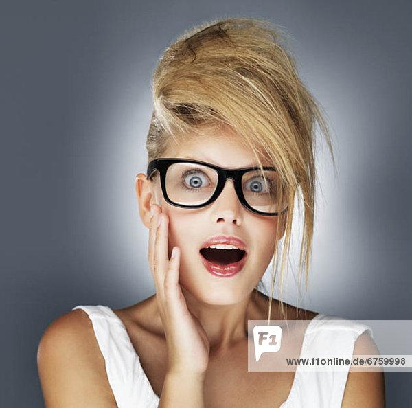blond  Frau  Schock  Glamour