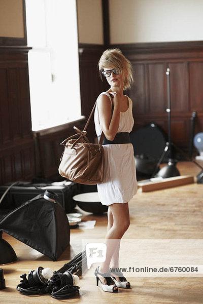 Handtasche  tragen  Modell  Mode