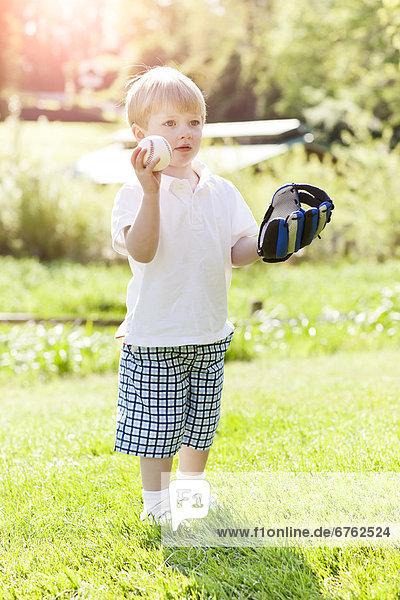 niedlich  süß  lieb  Junge - Person  Baseball  2-3 Jahre  2 bis 3 Jahre  spielen
