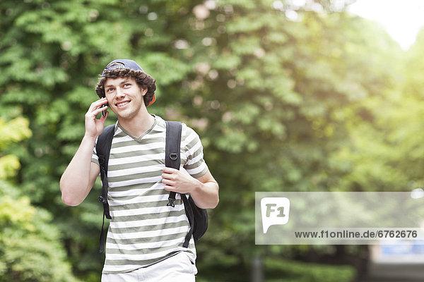 Handy  sprechen  Student  Hochschule
