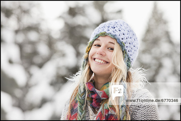 USA  Utah  Salt Lake City  portrait of young woman in winter clothing