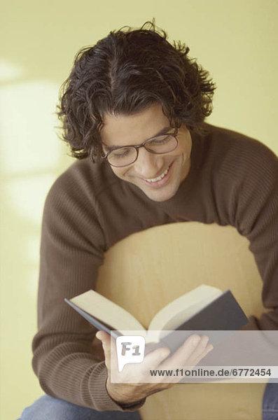 Mann Buch Taschenbuch vorlesen