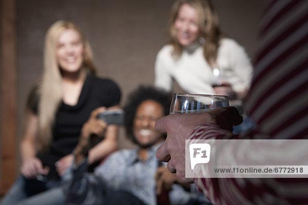 Mensch  Menschen  Party  geselliges Beisammensein  Menschengruppe  Menschengruppen  Gruppe  Gruppen  Knüpfen von Kontakten
