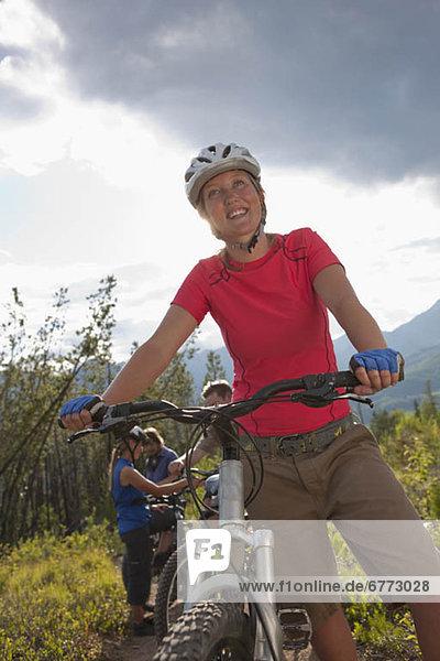 Berg  4  Fröhlichkeit  Freundschaft  radfahren  Fernie  British Columbia  British Columbia  Kanada