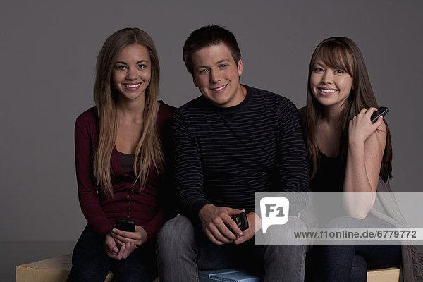 Studioaufnahme  Portrait  Jugendlicher  Junge - Person  jung  16-17 Jahre  16 bis 17 Jahre  Mädchen  Freund
