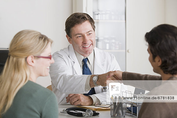 Arzt  Büro  schütteln