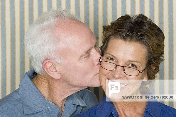 Portrait  Fröhlichkeit  küssen
