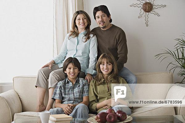 Porträt der Familie lächelnd