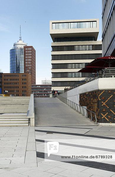 Hanseatic Trade Center HTC und Bürogebäude  Dalmannkai  HafenCity  Hansestadt Hamburg  Deutschland  Europa