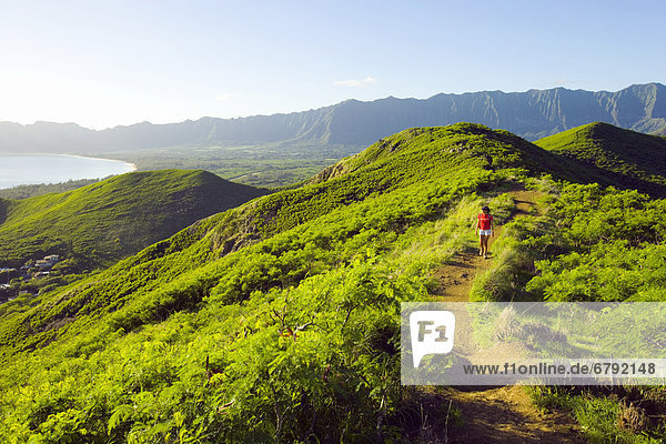 Frau  über  wandern  Hawaii  Oahu