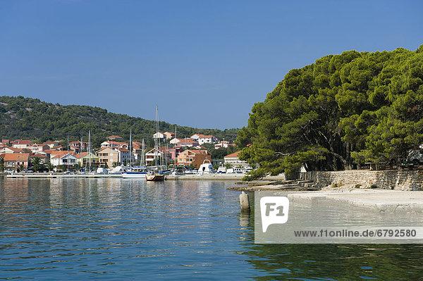 Hafen von Kukljica  Punta Zelena  Insel Ugljan  Adria  Zadar  Dalmatien  Kroatien  Europa