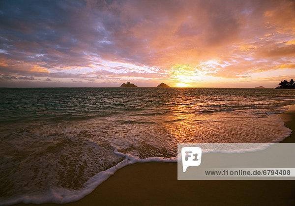 Hawaii  Oahu  Lanikai Strand bei Sonnenaufgang.