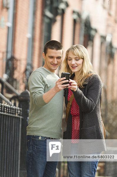 benutzen  Straße  Smartphone