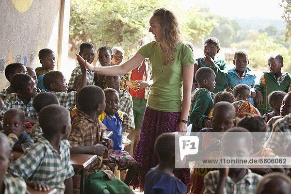 Frau  unterrichten  jung  Afrika  Mosambik