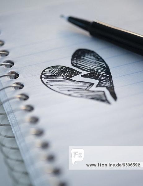Zeichnung  herzförmig  Herz  zerbrochen