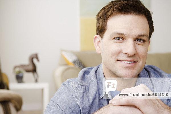 Portrait Mann lächeln Mittelpunkt Erwachsener