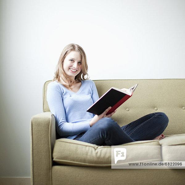 sitzend , Portrait , Frau , Couch , jung