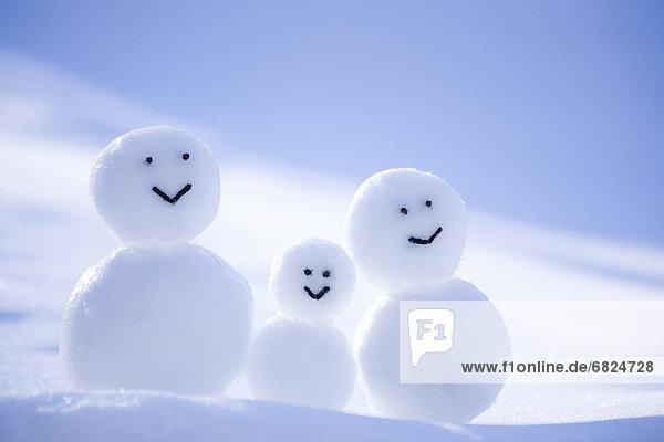 A Snowman Family