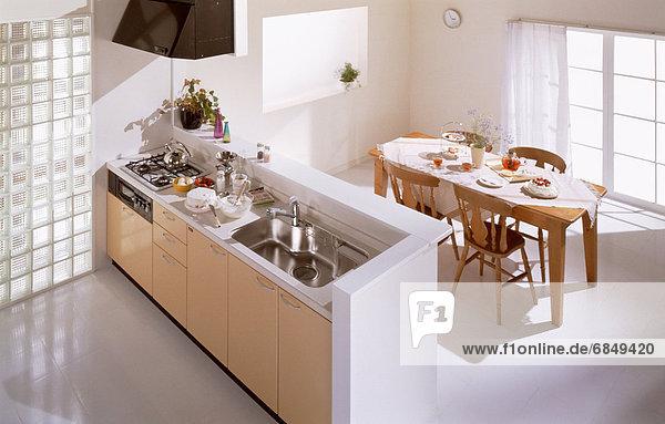 am Tisch essen Küche Zimmer