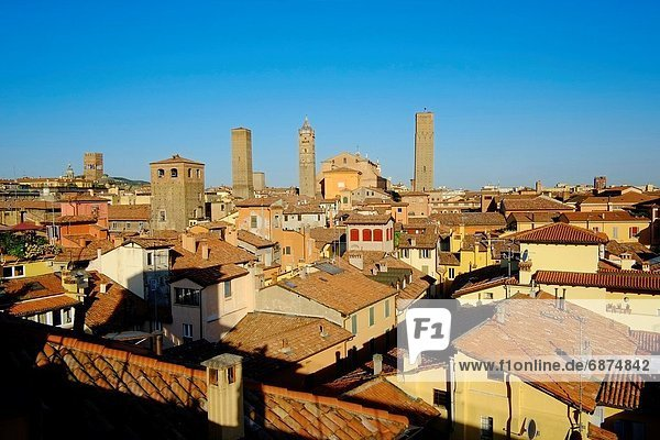 Italy  Emilia-Romagna  Bologna  cityscape on the towers of the town