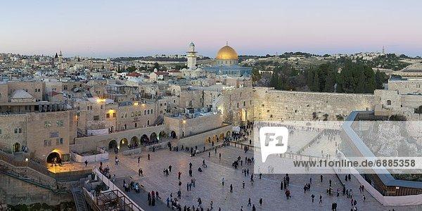 Jerusalem  Hauptstadt  weinen  Mensch  Menschen  Gebet  Stadtplatz  Naher Osten  UNESCO-Welterbe  Judentum  Israel  Viertel Menge